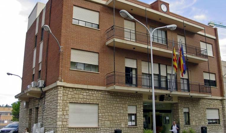 Calendario Laboral Xativa 2020.El Ayuntamiento De Almussafes Lanza Las Becas De Comedor