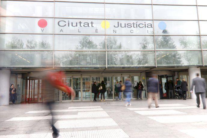 Se fuga un preso de los calabozos de la Ciudad de  la Justicia de Valencia - (foto 1)