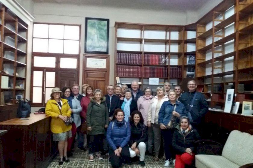 Un Grupo De Mas De 100 Turistas De Vigo Visita Elda Para