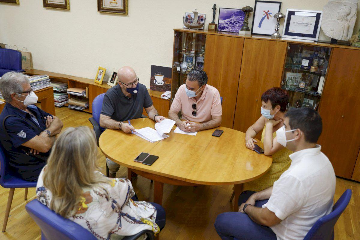 El Ayuntamiento de l'Alfàs revalida su apoyo a la Societat Musical La Lira