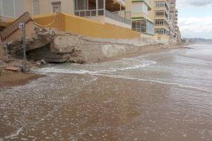 Tavernes se une y estalla contra Costas por el grave deterioro de la playa de La Goleta - (foto 15)