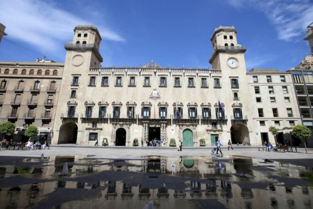 Ciudadanos reclama a PSOE y Compromís su apoyo a los presupuestos de Alicante