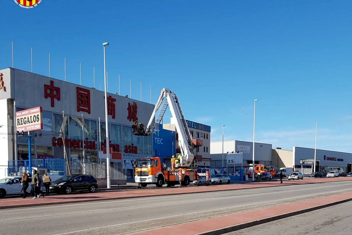 El Consorcio de Bomberos de València recibe más de 100 incidencias por viento
