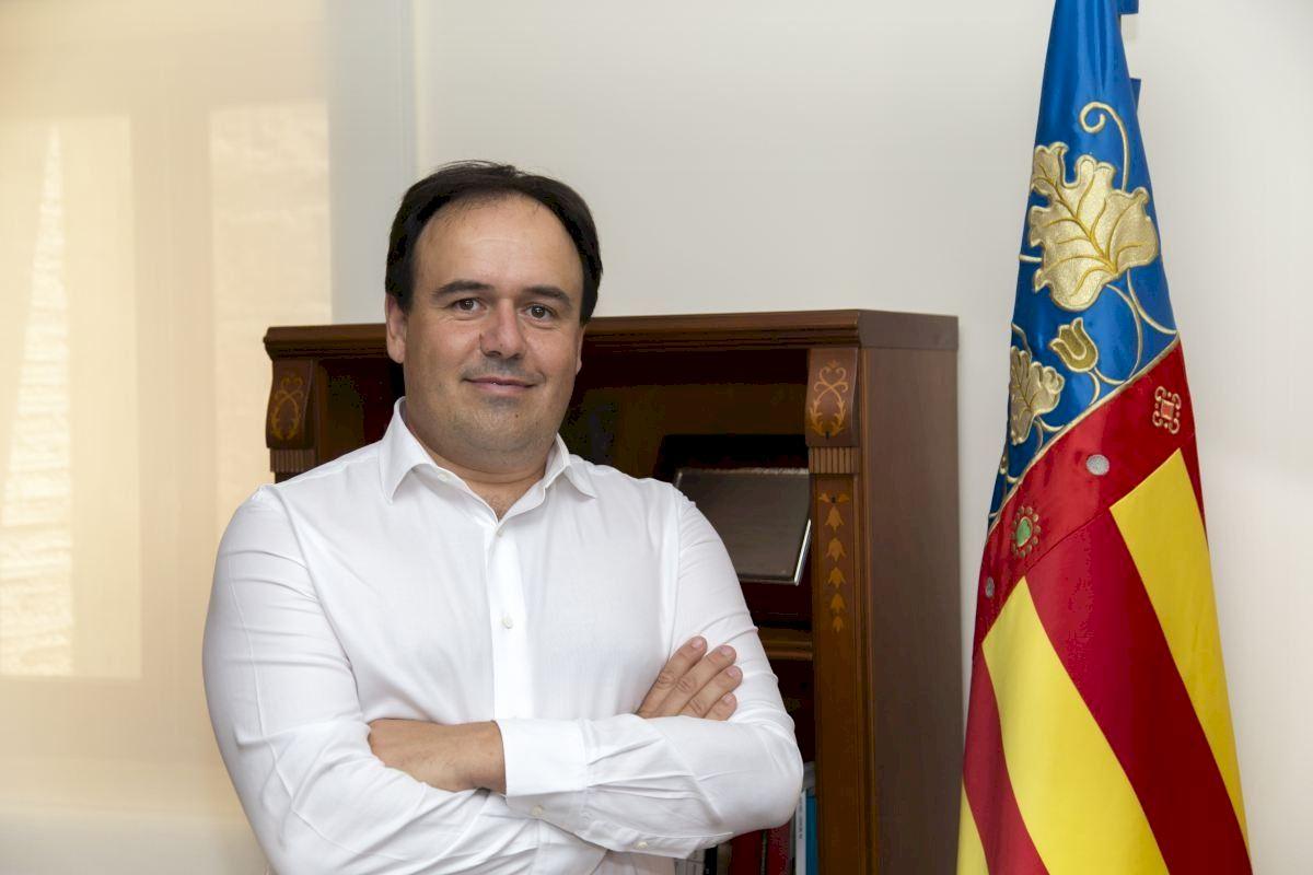 """El PP de la Provincia de Alicante denuncia la connivencia del PSPV y Compromís para """"tapar las vergüenzas"""" del proceso de vacunación y exige a los altos cargos de Sanidad que den la cara sobre el caos en la administración de las dosis"""