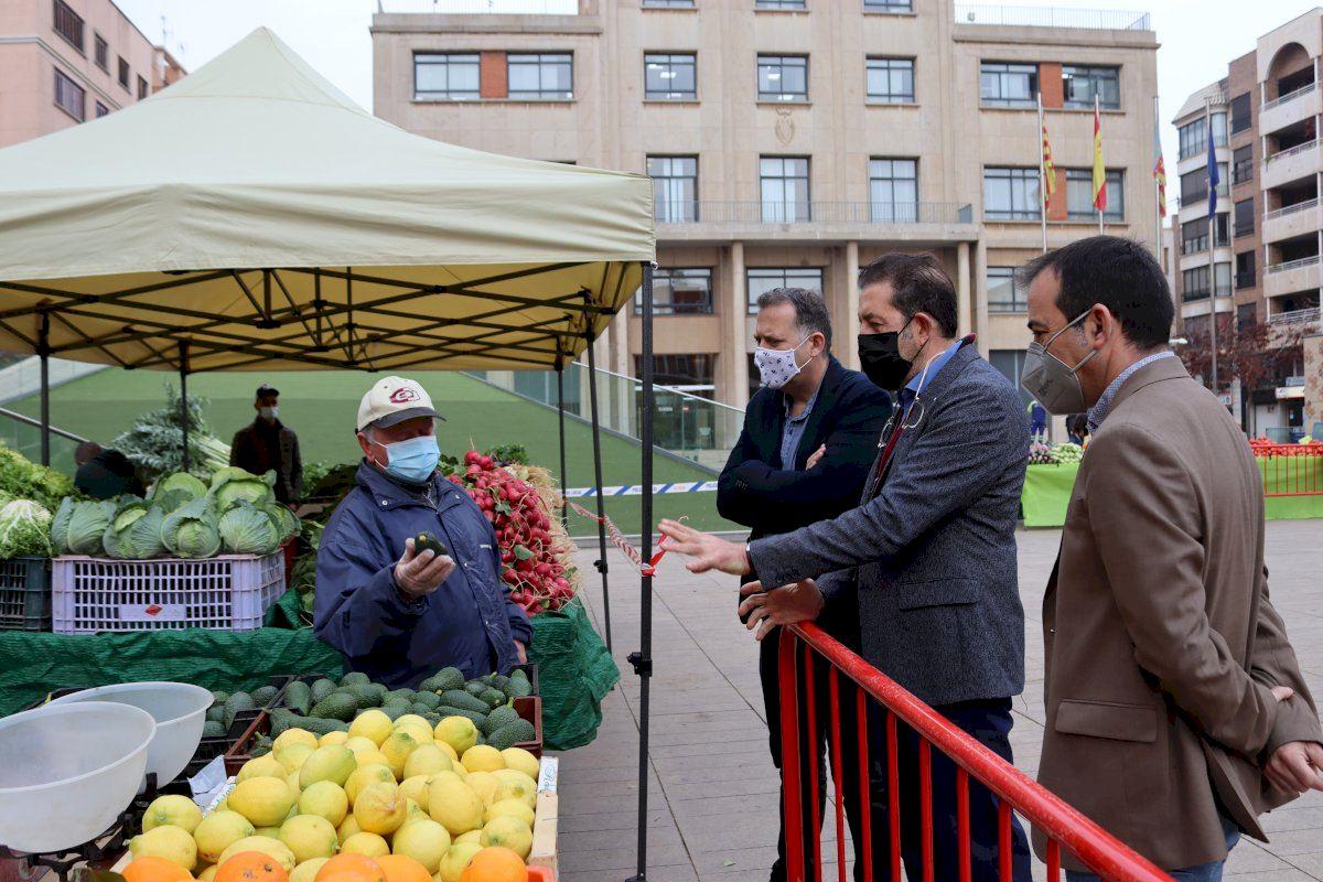 Un hipermercado de Vila-real pone a la venta fruta y verdura de productores locales