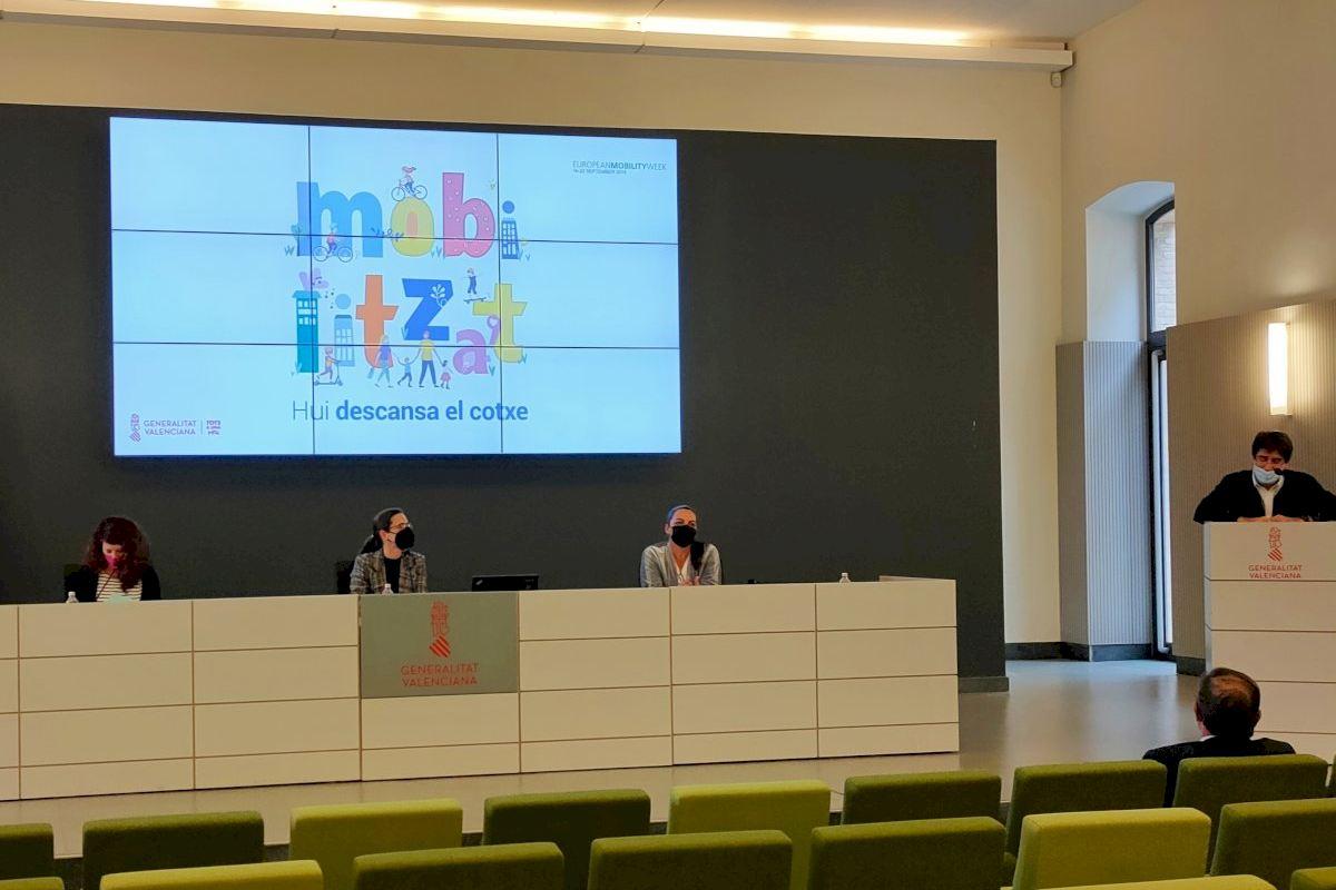 La Conselleria de Política Territorial premia el compromiso de 14 centros docentes con la movilidad sostenible