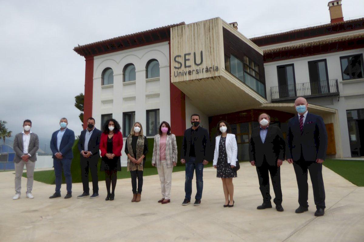 La rectora Amparo Navarro apoya la Seu Universitària La Nucia en su 20 aniversario