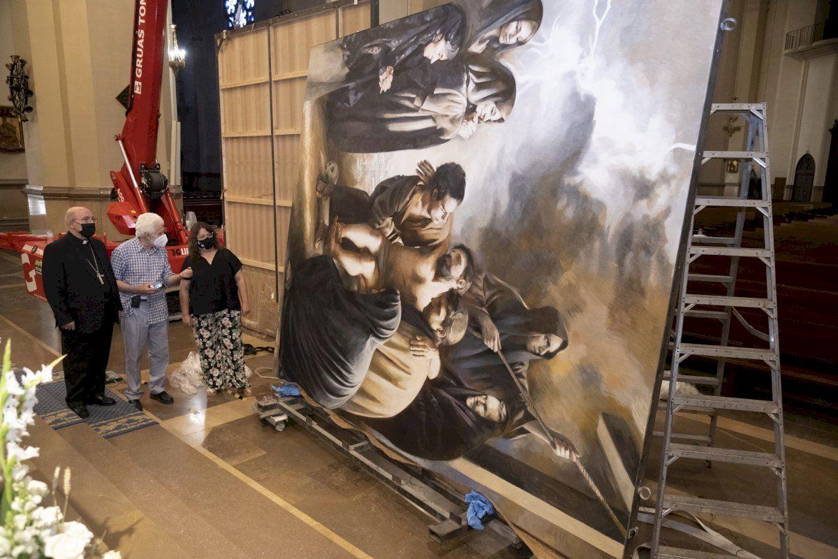 La Concatedral de Santa María luce dos nuevos cuadros del artista Traver Calzada
