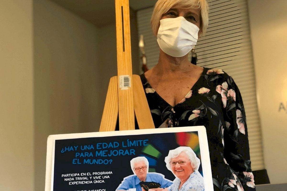 El Ayuntamiento y Jovesólides organizan una jornada de actividades lúdicas para favorecer la integración social de las personas mayores