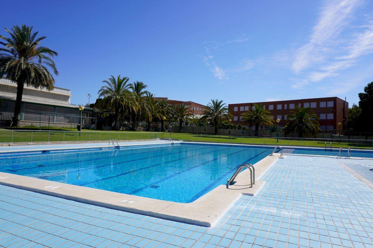 La temporada de baños en las piscinas públicas descubiertas de Elche arranca el próximo sábado 26 de junio