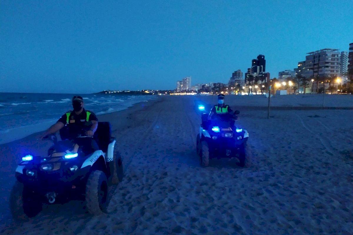 """La noche de San Juan """"más tranquila"""" en las playas de Alicante"""