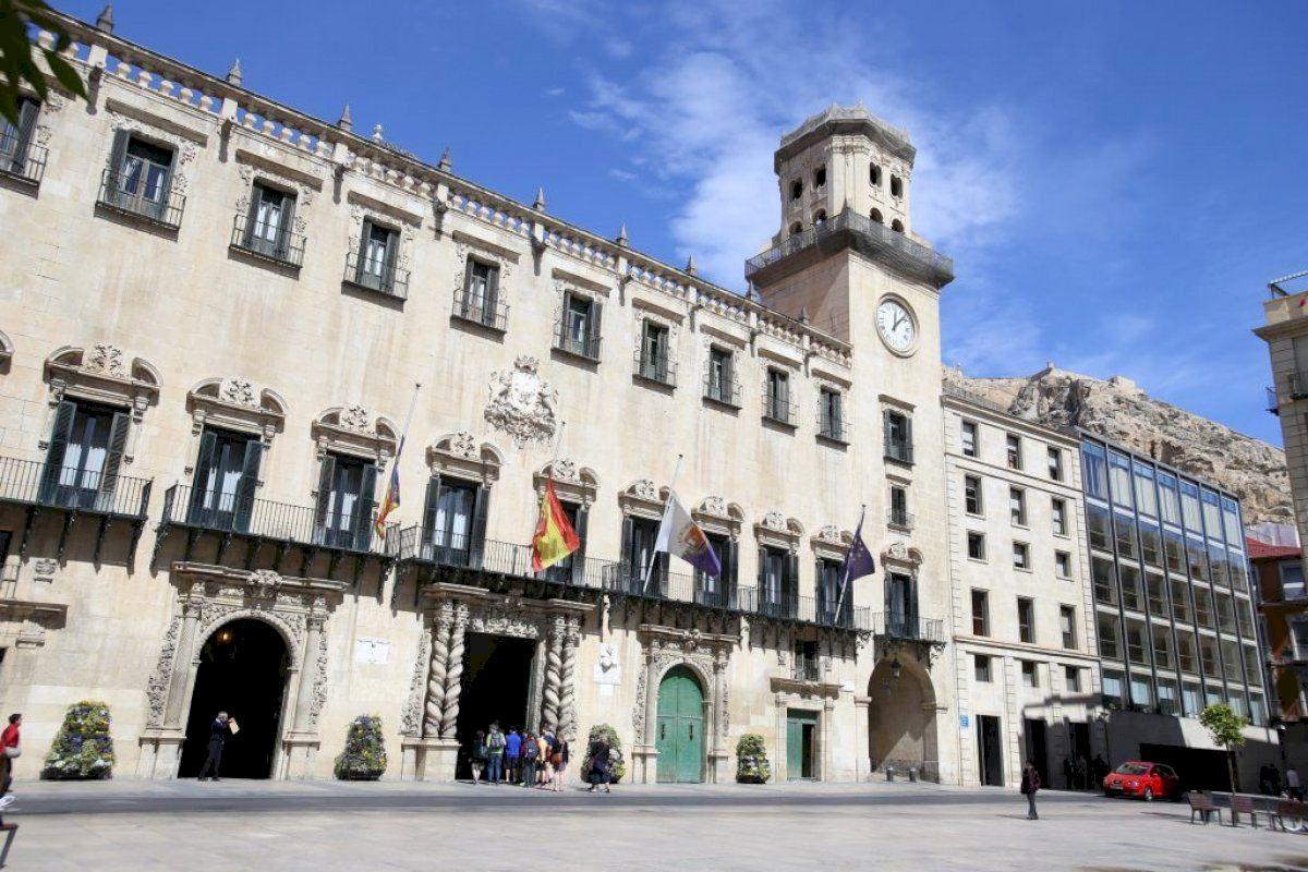 Alicante celebra sus 531 años como ciudad con una exposición fotográfica