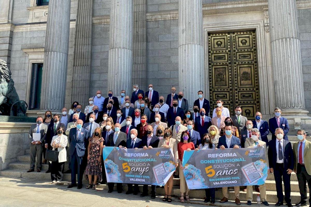 """Juristes Valencians inicia en Alicante la campaña divulgativa """"DRET CIVIL A LA MAR"""""""