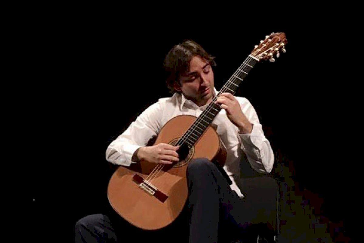 Gran comienzo de festival con el virtuosismo del guitarrista Luis Alejandro García