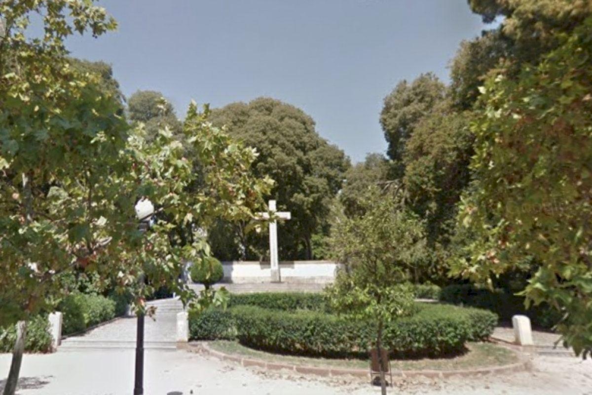 El Ayuntamiento de Castellón ordena la retirada de la Cruz del Ribalta