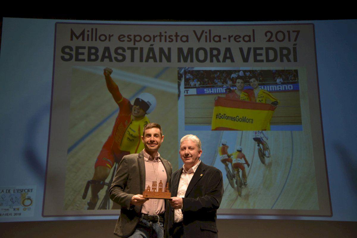 Vila-real instala una pantalla gigante para animar a los olímpicos Sebastián Mora y Pau Torres