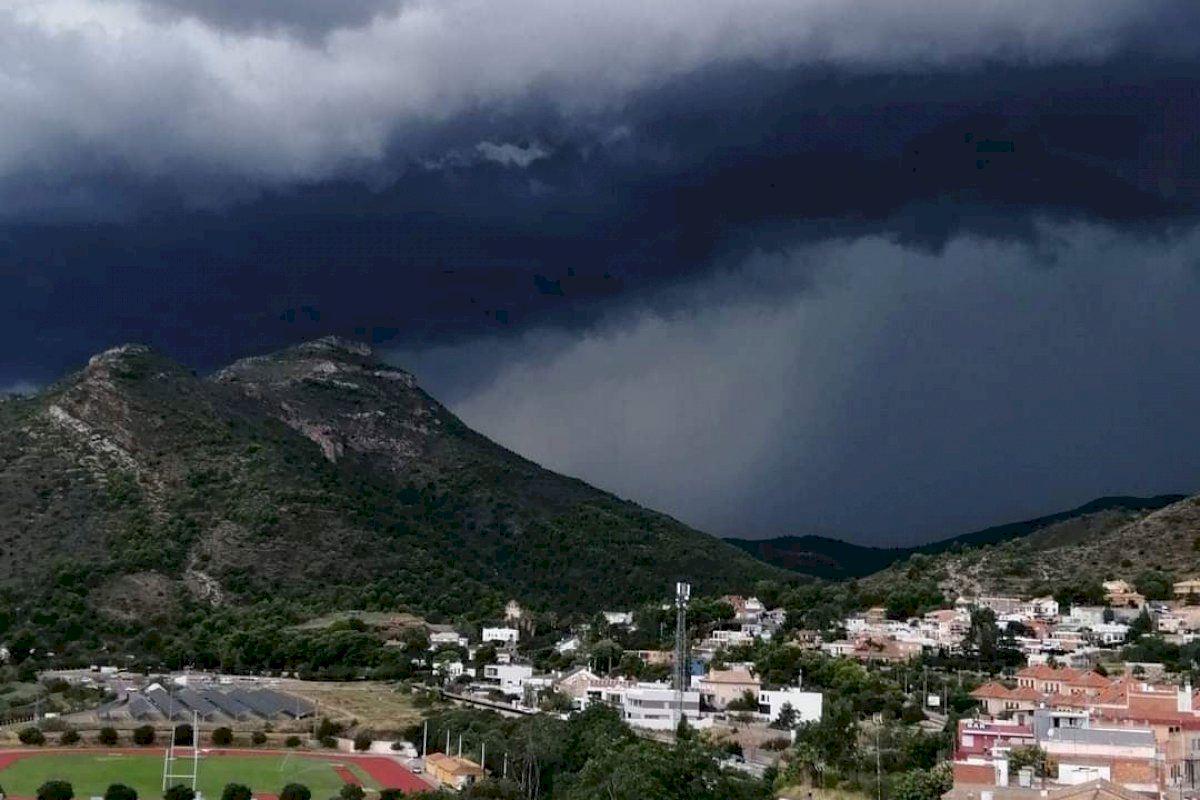 Las fuertes tormentas y el granizo golpean la Comunitat Valenciana