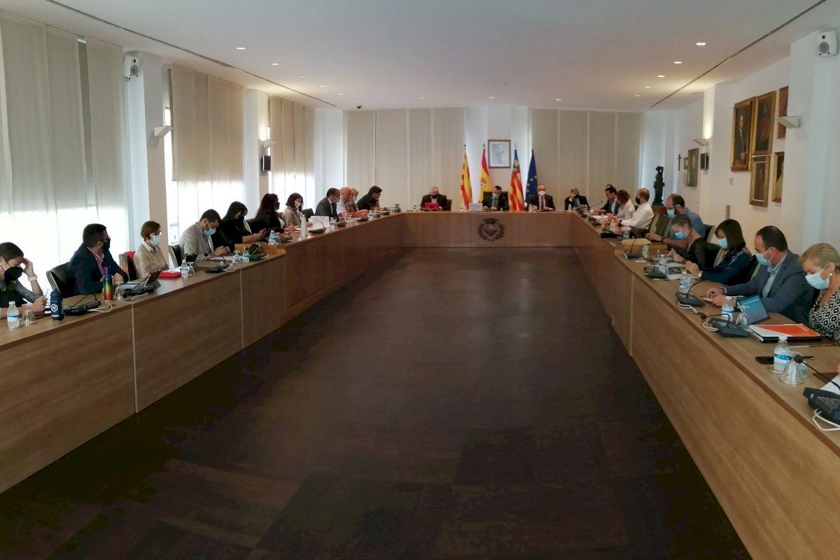 El Pleno aprueba por unanimidad reactivar la urbanización del clúster de la innovación cerámica para atraer inversión industrial