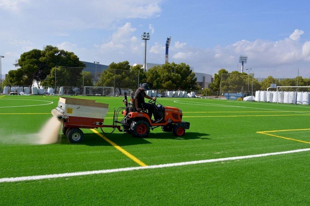 'Luz Verde' a la renovación del césped artificial en los campos de fútbol Antonio Solana, San Blas y Florida Babel