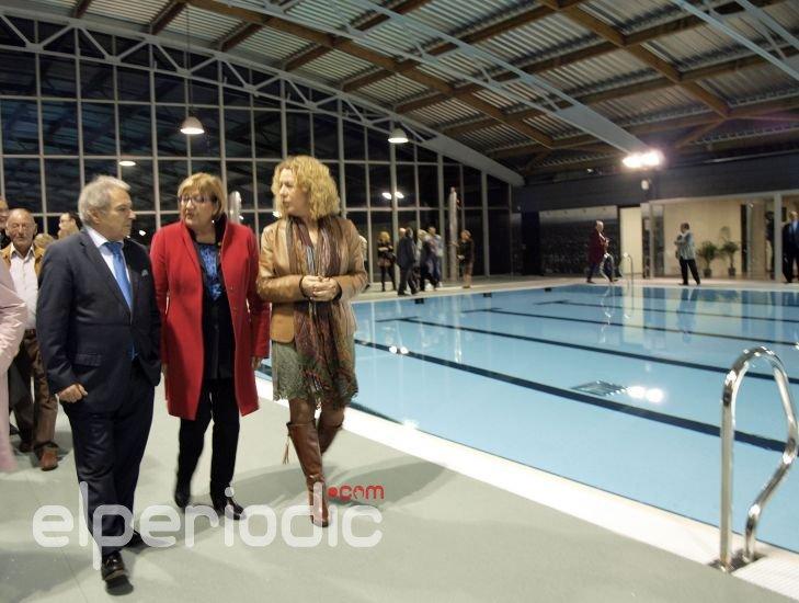 Catarroja estrena piscina cubierta en el barrio de les for Piscina cubierta catarroja