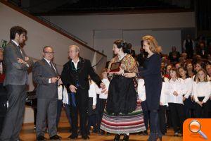 La Federación de Folclore distingue a Mayrén Beneyto - el periodic