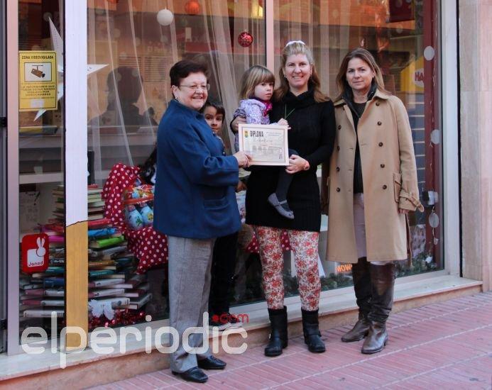 Muebles crespo gana el primer premio del xix concurso de escaparatismo navide o - Muebles carmen xirivella ...