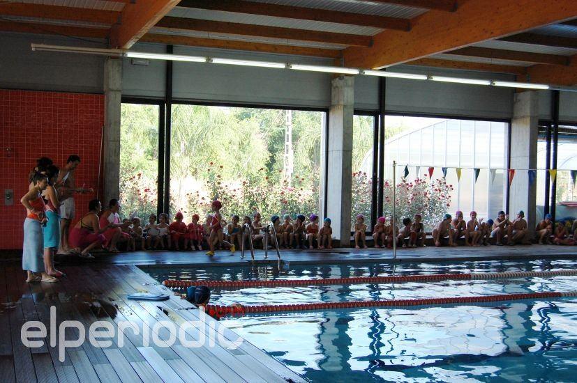 La piscina municipal acoge su i competici n de nataci n for Piscina sedavi
