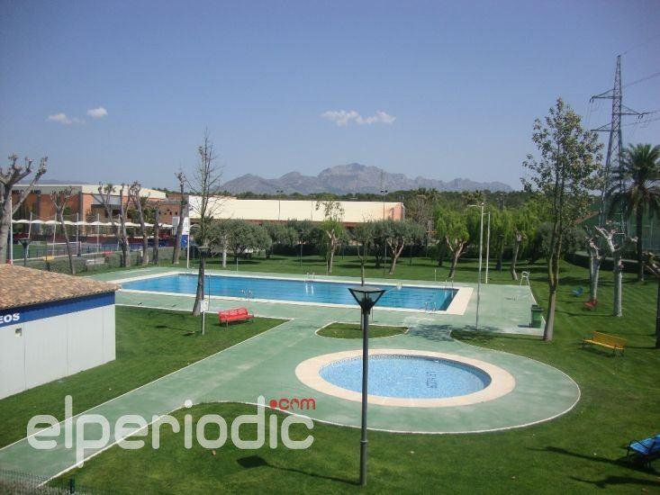 La piscina al aire libre abre hoy sus puertas con precios for Costo piscina coperta al coperto