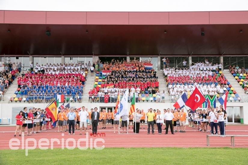 El ayuntamiento recibe a los participantes en el for Piscina olimpica castellon