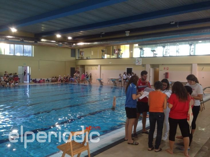 La piscina municipal v a parque re ne a los mejores clubes for Piscina municipal alicante