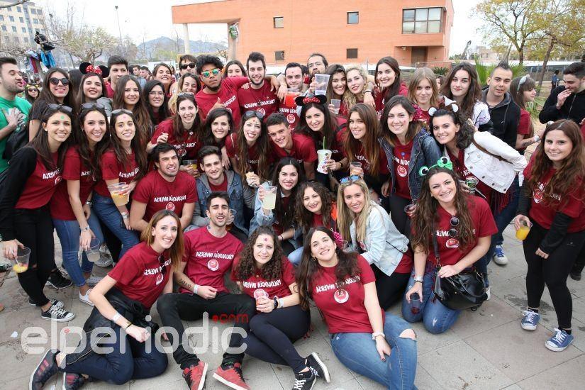 Los Estudiantes De La Uji Celebran El Día De Las Paellas