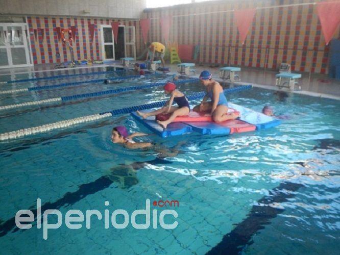La piscina municipal abre el periodo de matriculaciones for Piscinas municipales elche