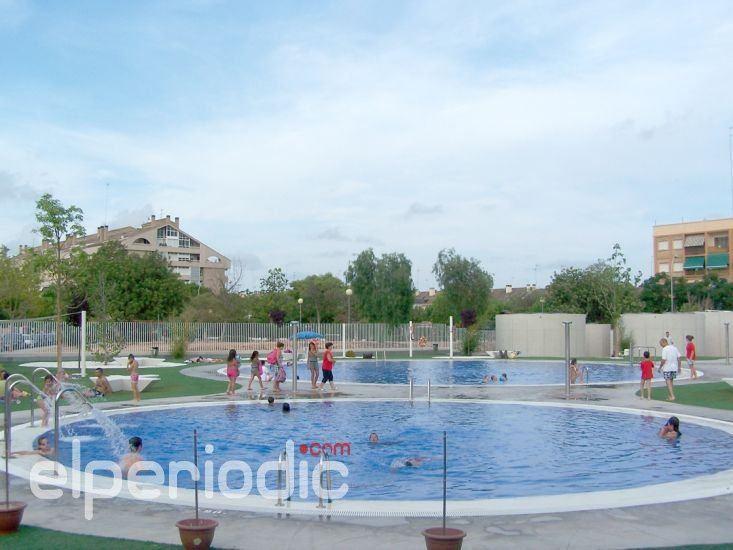 La piscina de verano abrir sus puertas el jueves 15 de for Piscina de godella