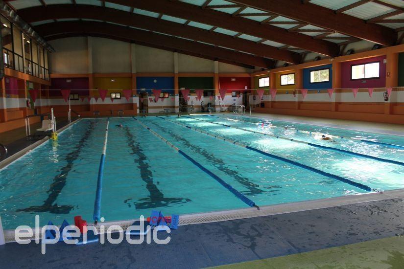 Los usuarios de la piscina cubierta cuentan con un for Piscina cubierta requena
