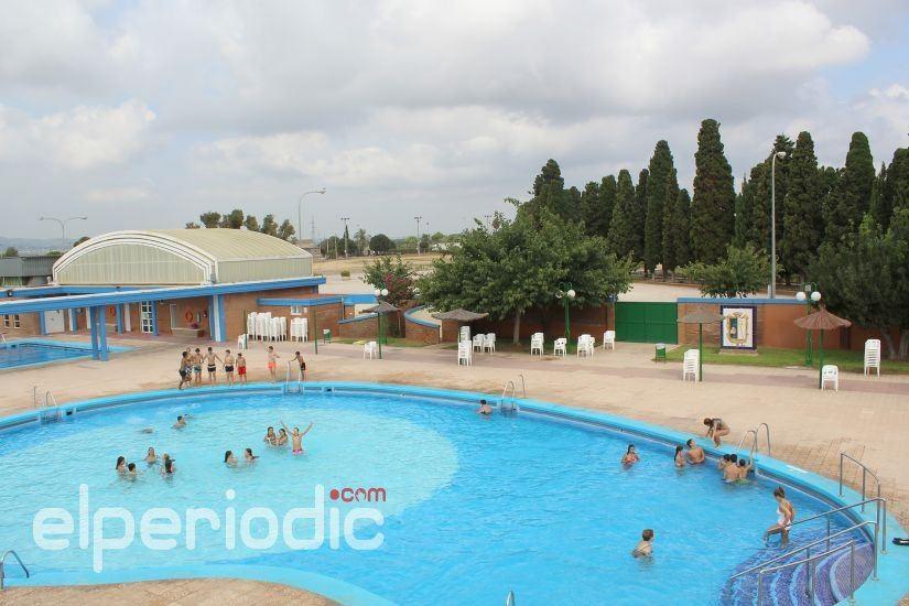 Las piscinas municipales iniciar n la temporada de verano for Piscina municipal sueca