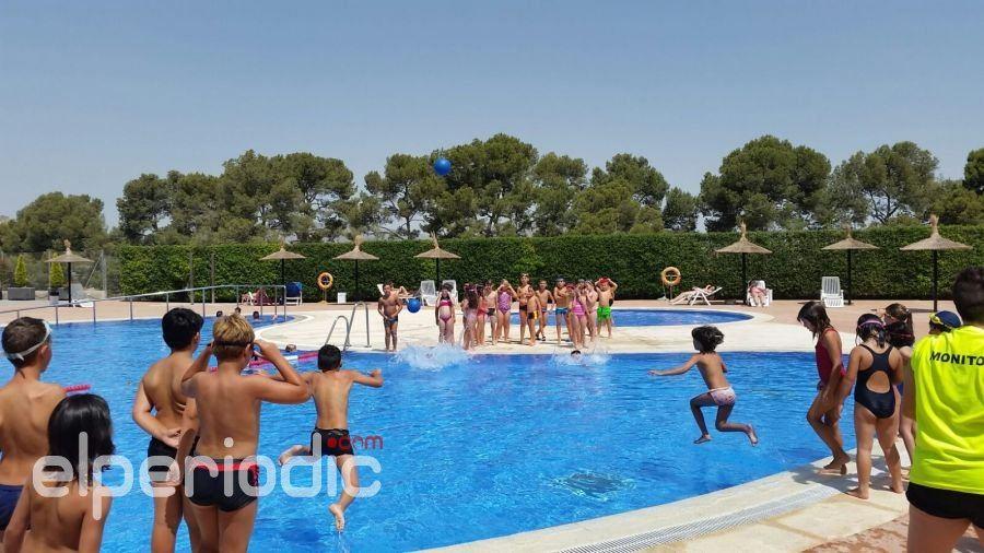 El ayuntamiento de aspe abre al p blico su piscina de verano for Piscina municipal quart de poblet