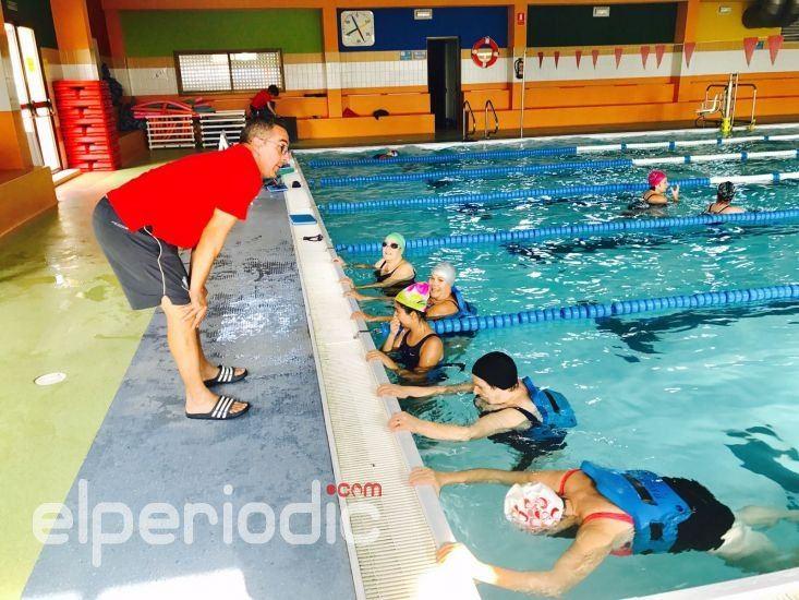 40 personas participan en las actividades de aquasalus for Piscina nules