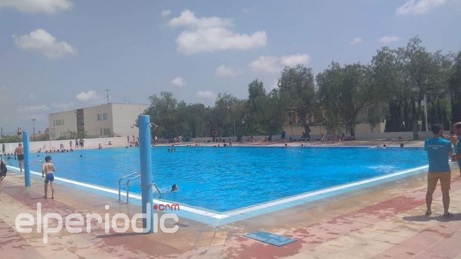 Manises abre la piscina de verano dentro del plazo previsto for Piscina sedavi