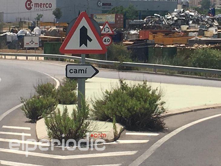 Cs de alzira lamenta el estado del pol gono de el pla - Hoteles en alzira valencia ...