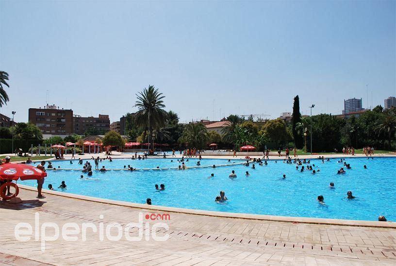 Alerta este lunes por calor extremo en un centenar de for Benicalap piscina