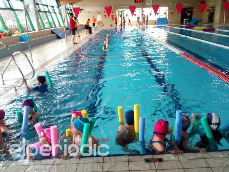 La piscina municipal tom s mart nez urios abre el plazo de for Piscina municipal sueca