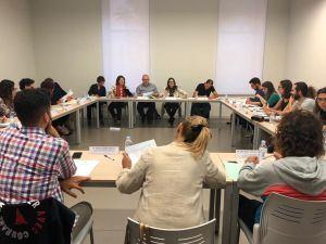 Oltra anuncia la consolidación de la Xarxa Jove con la contratación de 96 nuevos profesionales de juventud